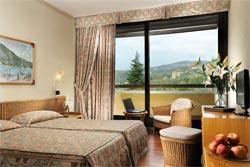 Foto HOTEL VILLAGGIO POIANO RESORT HOTEL di GARDA