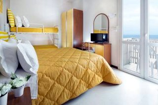 Fotos HOTEL  CARNABY von RIMINI