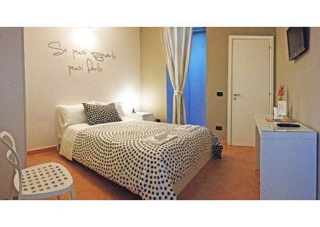 Foto B&B CHARMING HOUSE BED AND BREAKFAST di BARLETTA