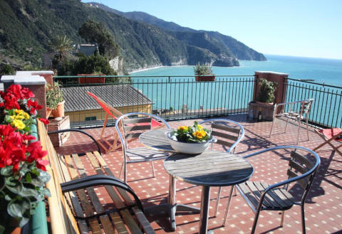 Photo B&B AFFITTACAMERE LA TORRE a CORNIGLIA