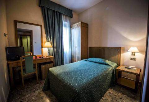 Photo HOTEL  RISTORANTE NUOVO ALBERGO  a CHIETI