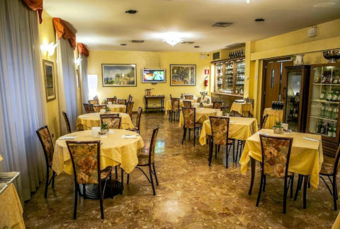 Foto HOTEL  RISTORANTE NUOVO ALBERGO  di CHIETI