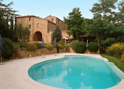 Photo AGRITURISMO COUNTRY HOUSE LA GRANCIA a SAN GIOVANNI D'ASSO