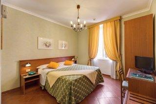 Photo HOTEL  CORONA a ROMA