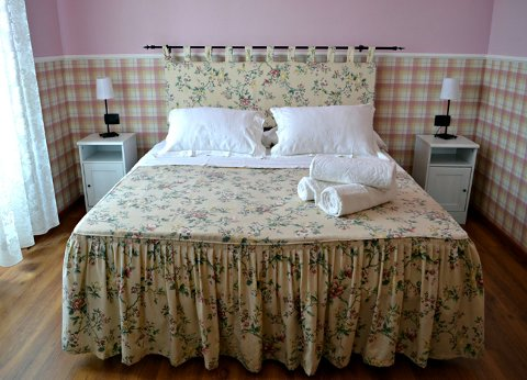 Foto B&B ANITA BED AND BREAKFAST di CAVE