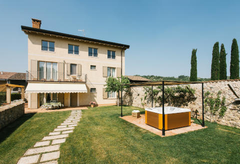 Foto B&B IL GALLO COUNTRY HOUSE di LONATO DEL GARDA
