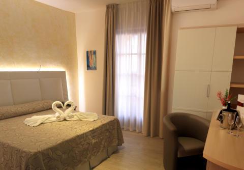Foto HOTEL ARENAS  di JOPPOLO