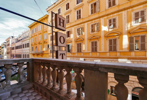 Foto AFFITTACAMERE 47STEPS GUEST HOUSE di ROMA