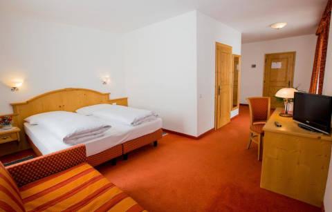 Foto HOTEL SCHAURHOF di VIPITENO